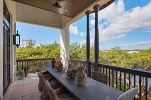 30a_home_exterior_balcony_2